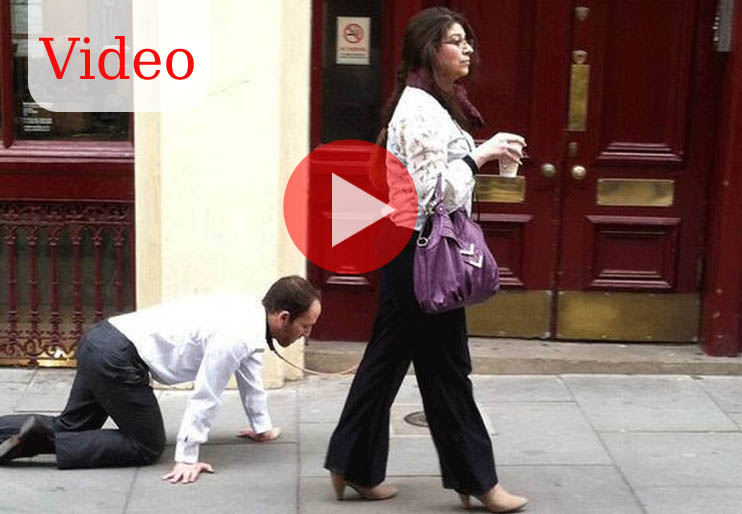 Very Strange : Man walked by Woman in Streets of London